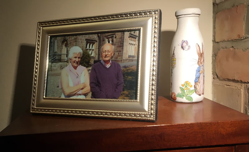 Rules to decorate a care home room to make it feel more homely.
